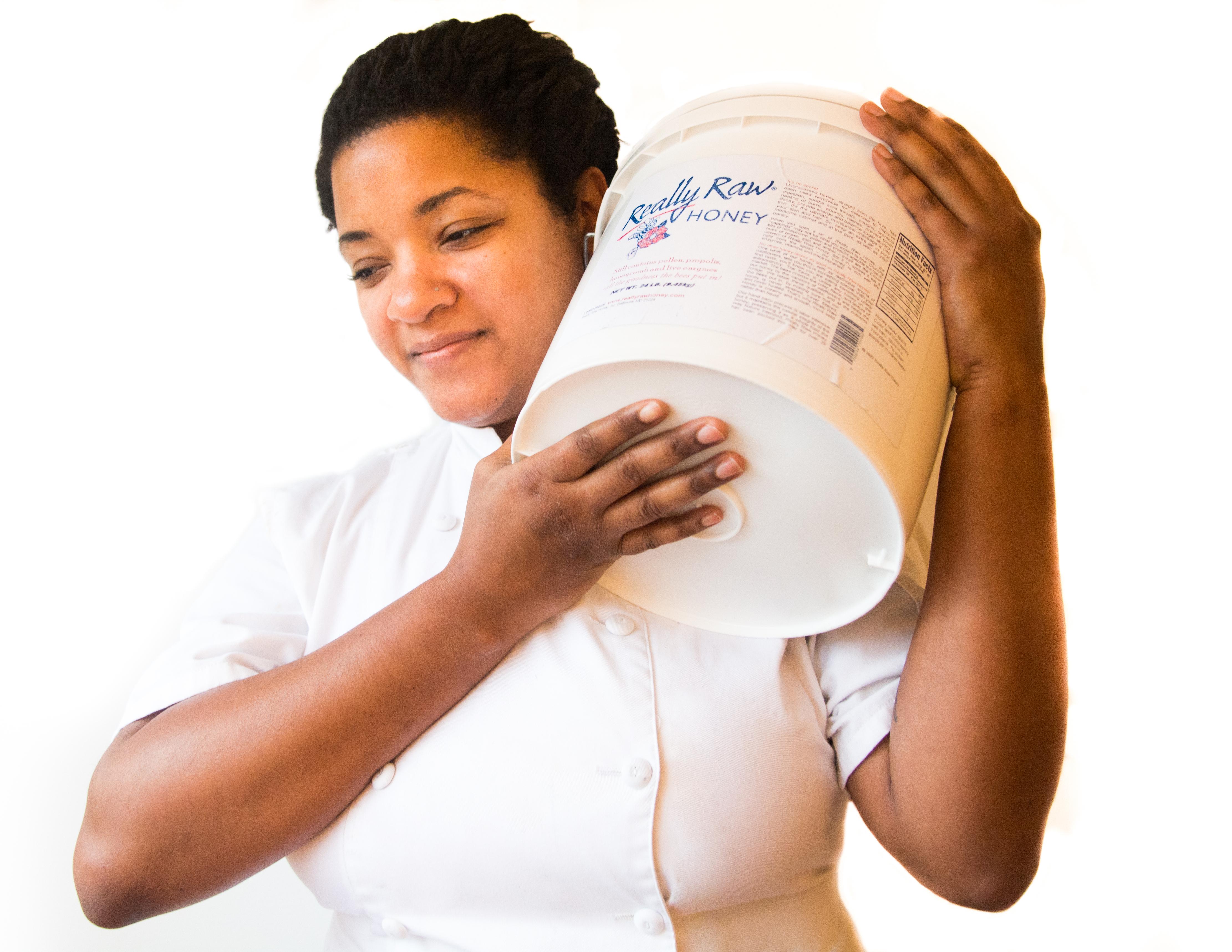 24lb bucket